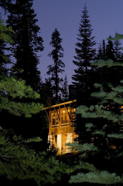 Wuksachi Lodge at Twilight. Source: Wuksachi Lodge