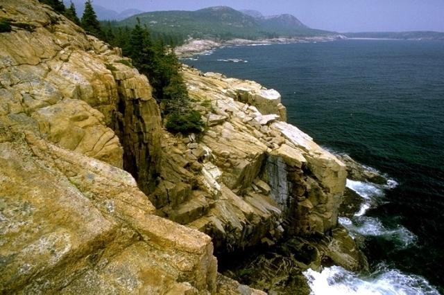 Acadia, 1090