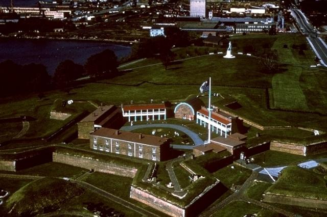 Fort McHenry, 2498