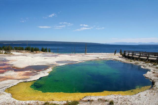 Yellowstone Lake & Pool