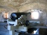 Fort Sumter : Canon Inside Fort Sumter