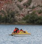 Bottomless Lakes (NM) : Paddle boats on the Lake