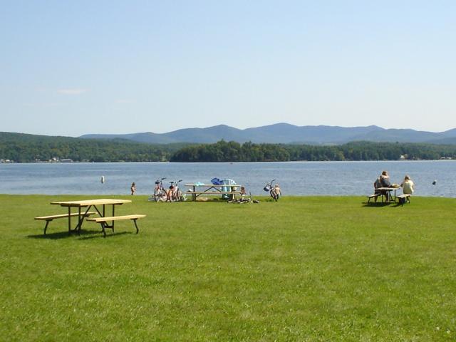 Bomoseen, picnic table and lake