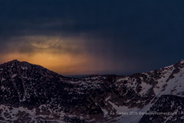 Moonrise over Yosemite Park